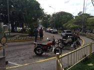 Hospital Central San Cristóbal. Sidewalk leading to the main access point
